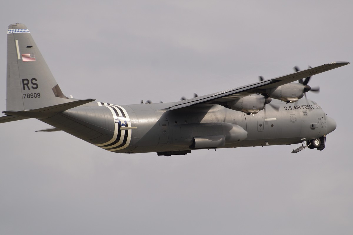 07-8608/RS        C-130J-30           86AW